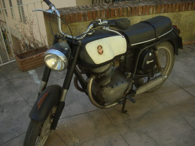 Gilera 300 extra 1967 twin For Sale (picture 6 of 6)