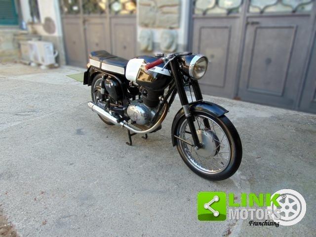 Gilera 175 Sport, anno 1961, radiata d'ufficio, perfetta pa For Sale (picture 2 of 6)