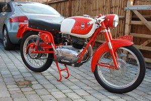 175 Rossa Extra Italian classic beautiful bike