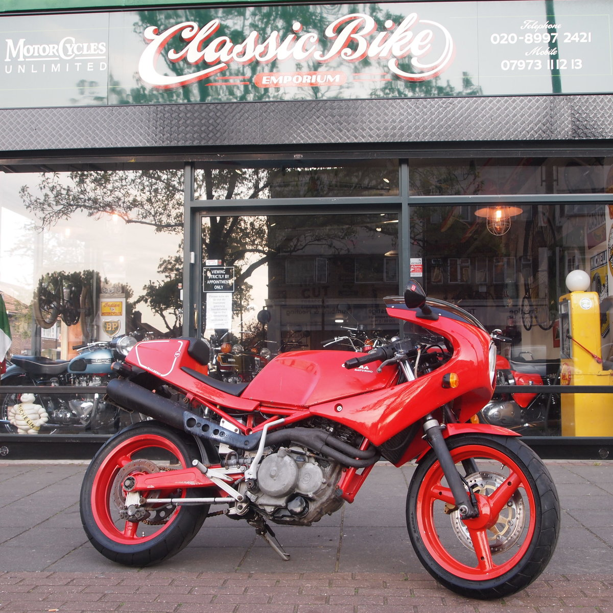 1989 Gilera Saturno Fitted With Running Paris Daker 550cc Unit. SOLD (picture 1 of 6)