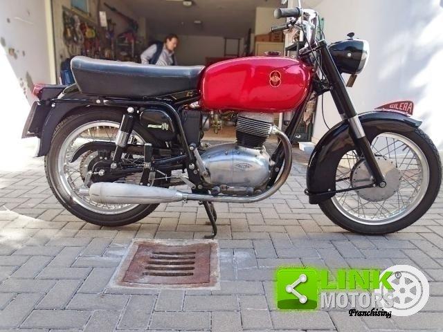 1958 GILERA B 300 EXTRA TARGA ORO For Sale (picture 5 of 6)