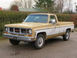 GMC 25 Hundred / Chevrolet C20