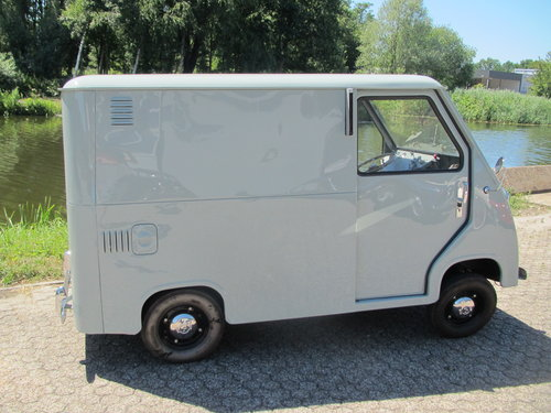 GoggoMobile Transporter Prototype 1956 (2236 Km.) For Sale (picture 3 of 6)