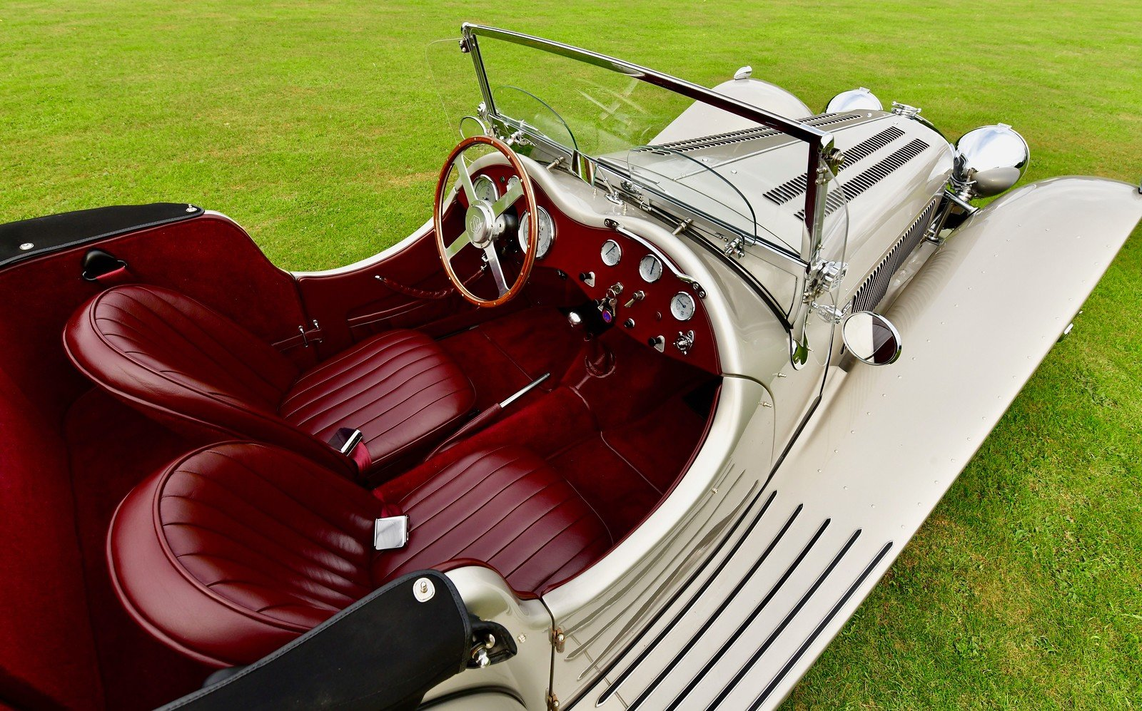 1964 Jaguar SS100 By Suffolk, Left Hand Drive For Sale (picture 5 of 6)