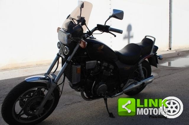 1983 Honda vf 1100 For Sale (picture 1 of 6)
