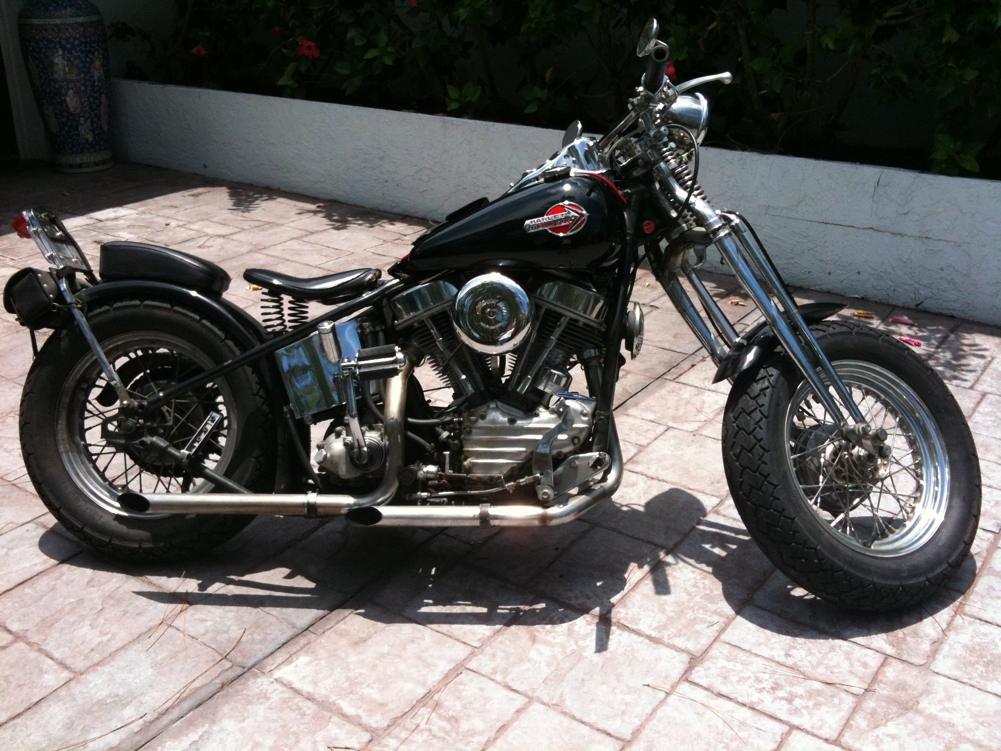 Period-correct 1954 Harley Pan Head, outlaw chopper
