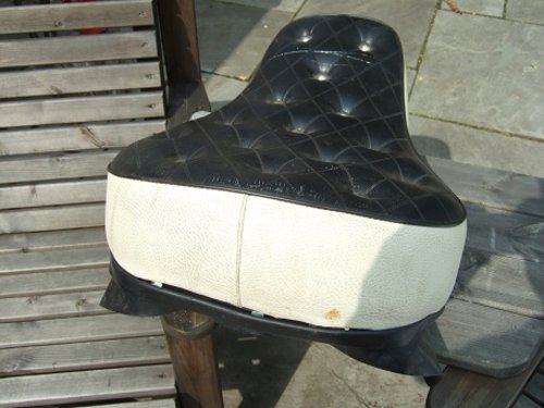 Harley Buddy seat. For Sale (picture 3 of 4)