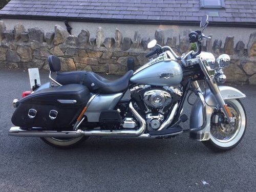 2011 HARLEY DAVIDSON ROADKING  For Sale (picture 1 of 1)