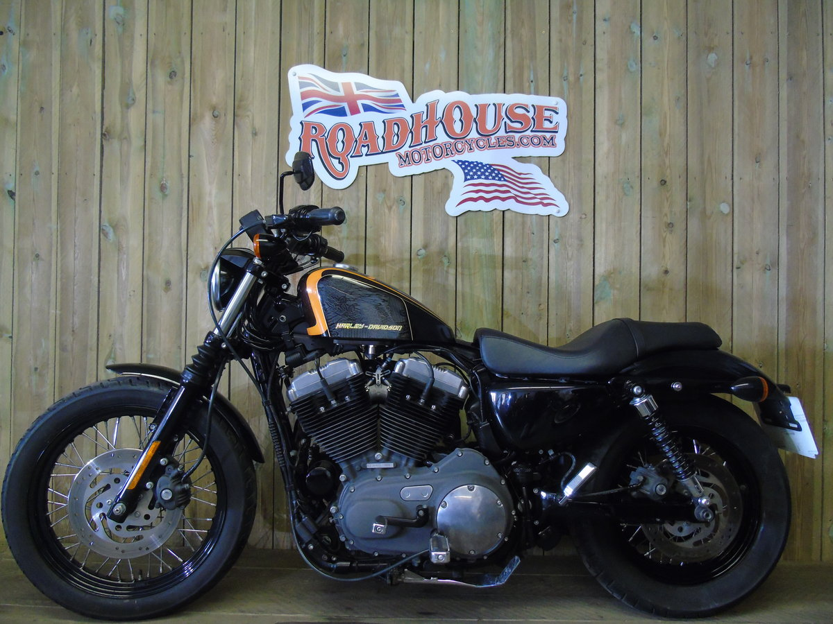 2010 Harley-Davidson XL 1200 N Nightster Only 2700 Miles  For Sale (picture 2 of 6)