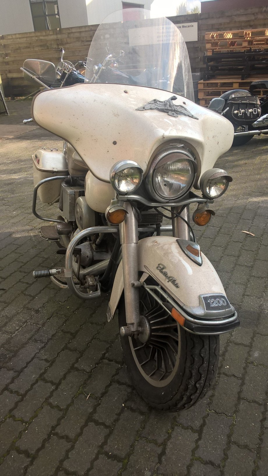 Barnfind FLH electra glide 1977 SOLD (picture 2 of 6)