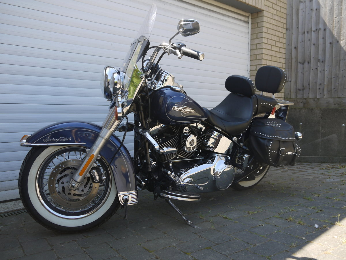 2009 HARLEY DAVIDSON HERITAGE SOFTAIL CLASSIC - JUST 6K MILES !! SOLD (picture 3 of 6)