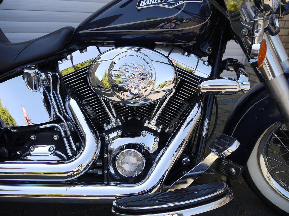 2009 HARLEY DAVIDSON HERITAGE SOFTAIL CLASSIC - JUST 6K MILES !! SOLD (picture 4 of 6)