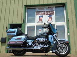 Harley-Davidson FLHTC Electra Glide Ultra 105th Anniversary