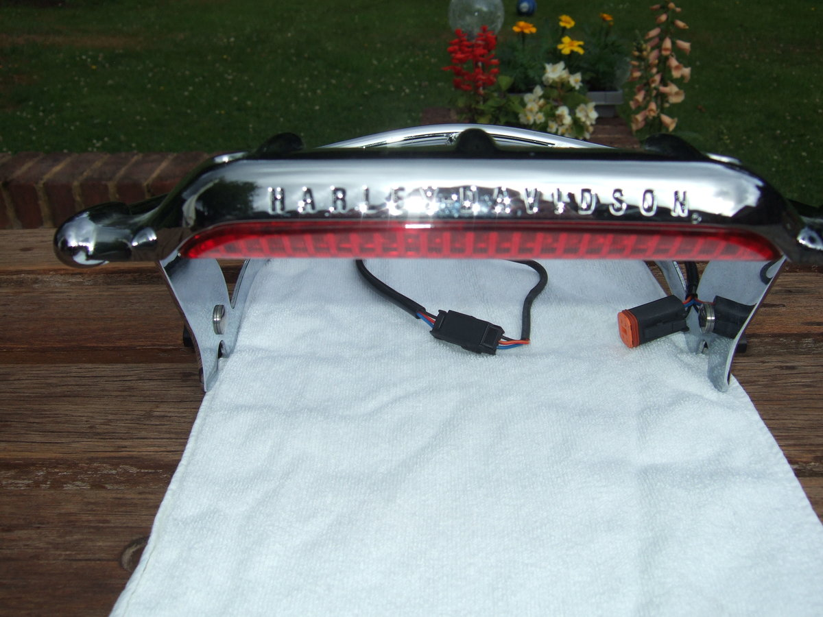 2018 Harley Airwing Detachable Luggage Rack For Sale (picture 3 of 3)