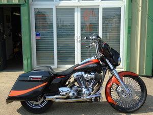 Harley-Davidson FLHTCUSE 2 Electra Glide 1800cc CVO