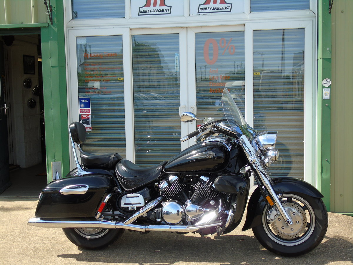 2006 Yamaha XVZ1300 Royal Star Tour Deluxe Only 15,000 Miles For Sale (picture 1 of 6)