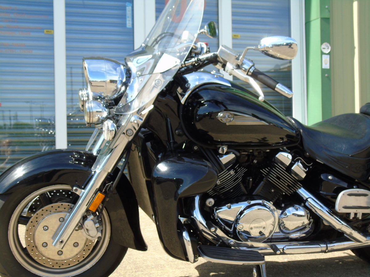 2006 Yamaha XVZ1300 Royal Star Tour Deluxe Only 15,000 Miles For Sale (picture 4 of 6)