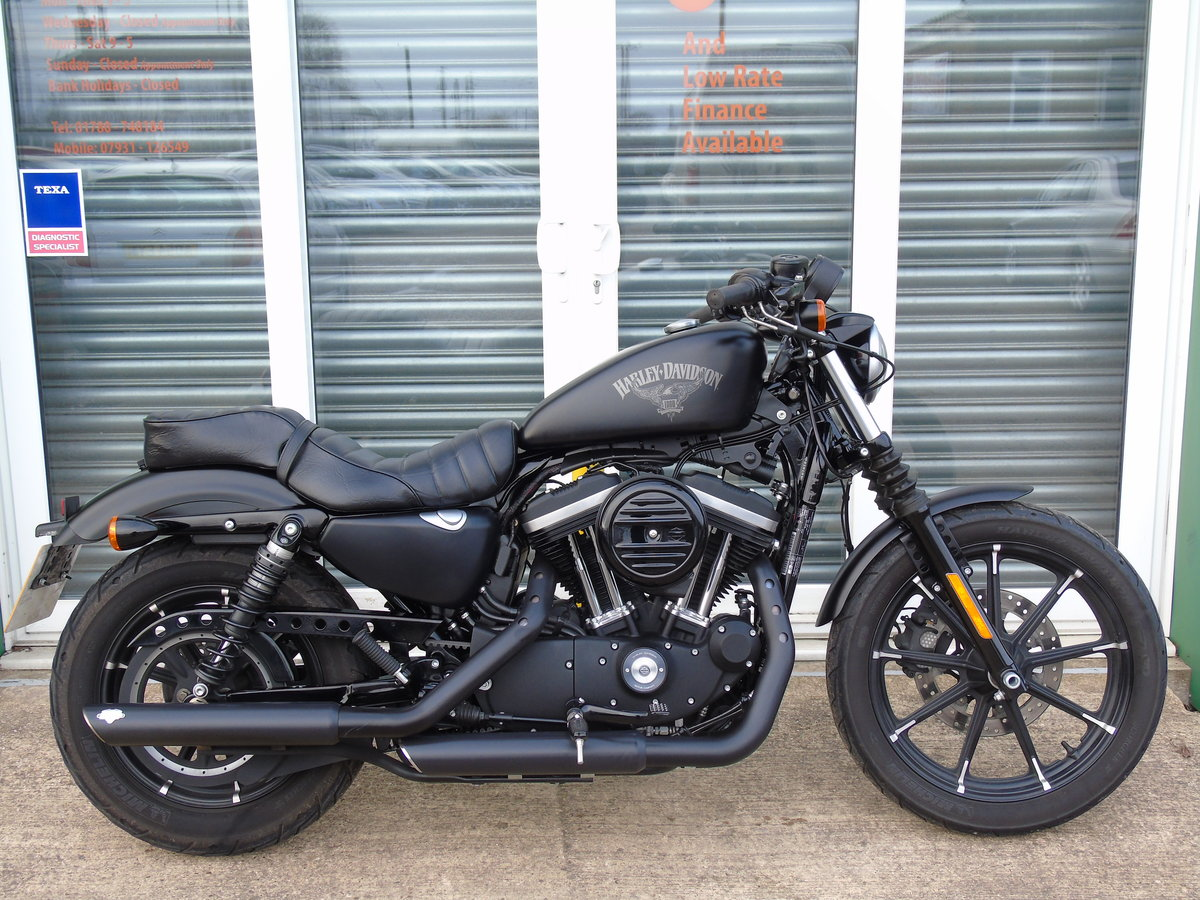 2017 Harley-Davidson XL 883 N Iron Only 6,000 Miles Keyless Start For Sale (picture 1 of 12)