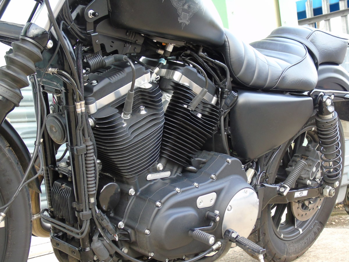 2017 Harley-Davidson XL 883 N Iron Only 6,000 Miles Keyless Start For Sale (picture 4 of 12)