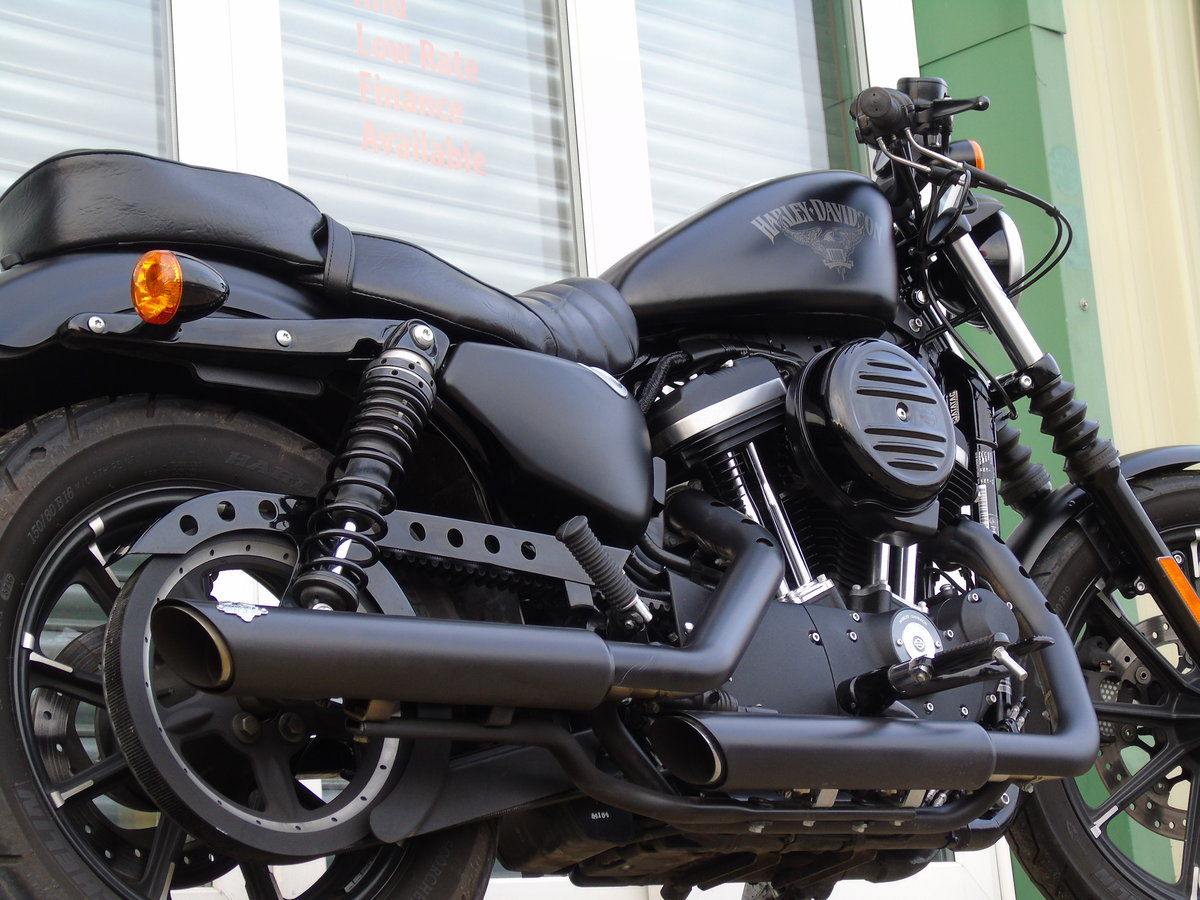 2017 Harley-Davidson XL 883 N Iron Only 6,000 Miles Keyless Start For Sale (picture 6 of 12)
