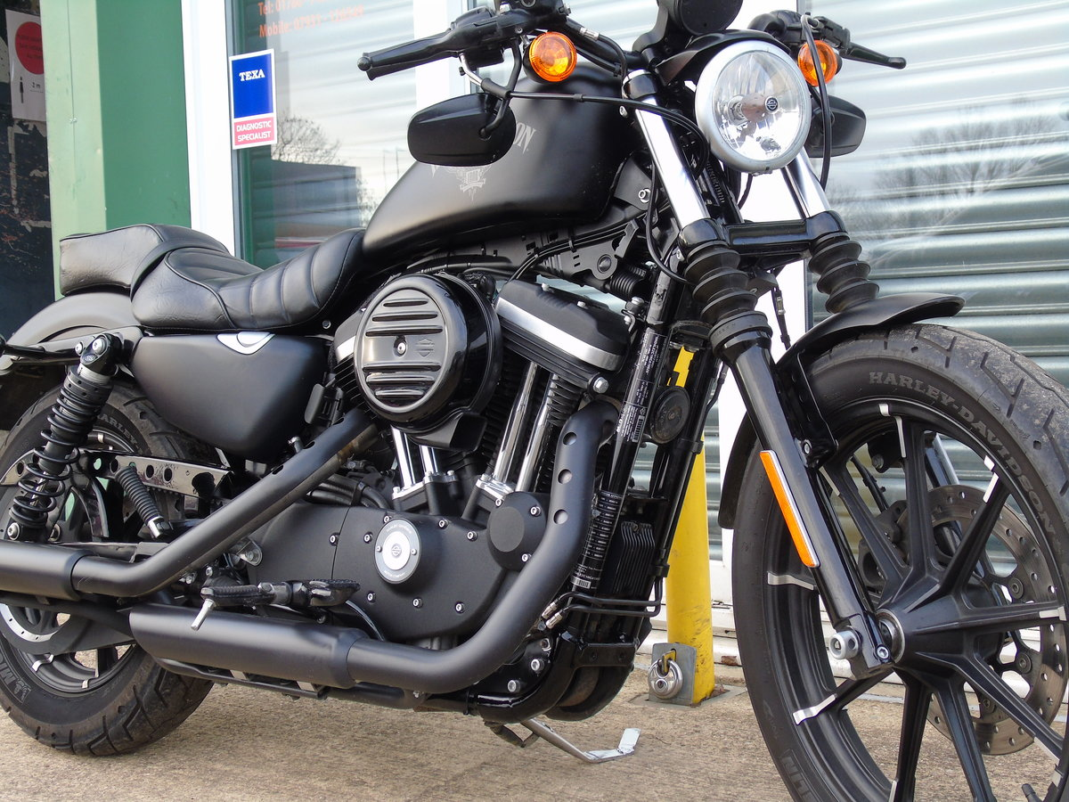 2017 Harley-Davidson XL 883 N Iron Only 6,000 Miles Keyless Start For Sale (picture 8 of 12)