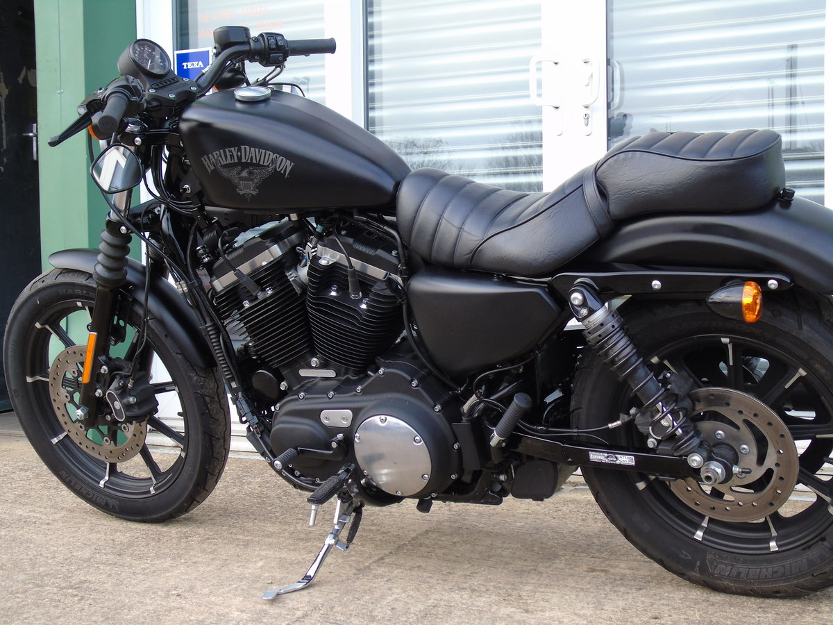 2017 Harley-Davidson XL 883 N Iron Only 6,000 Miles Keyless Start For Sale (picture 10 of 12)