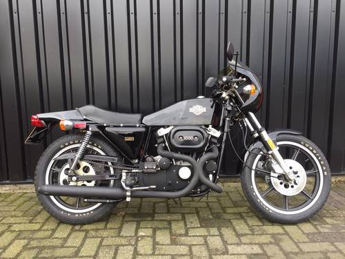 1977 H-D XLCR 1000  . . . . .original only 751 KM !!! SOLD (picture 1 of 6)