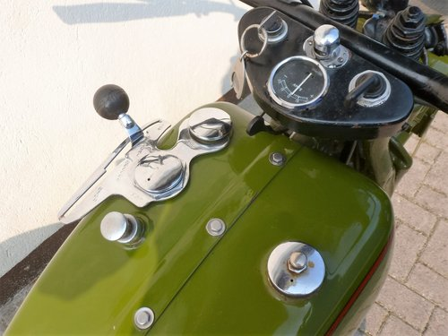 Harley Davidson 1931 DL 750 cc 2 cyl. For Sale (picture 2 of 6)