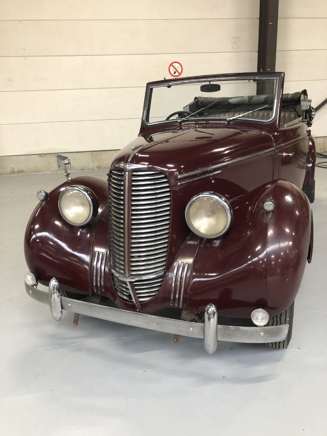 1947 HILLMAN DROPHEAD CONVERTIBLE SOLD (picture 1 of 6)