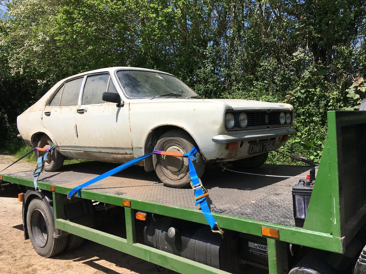 1971 Hillman Avenger - barn find SOLD (picture 1 of 6)