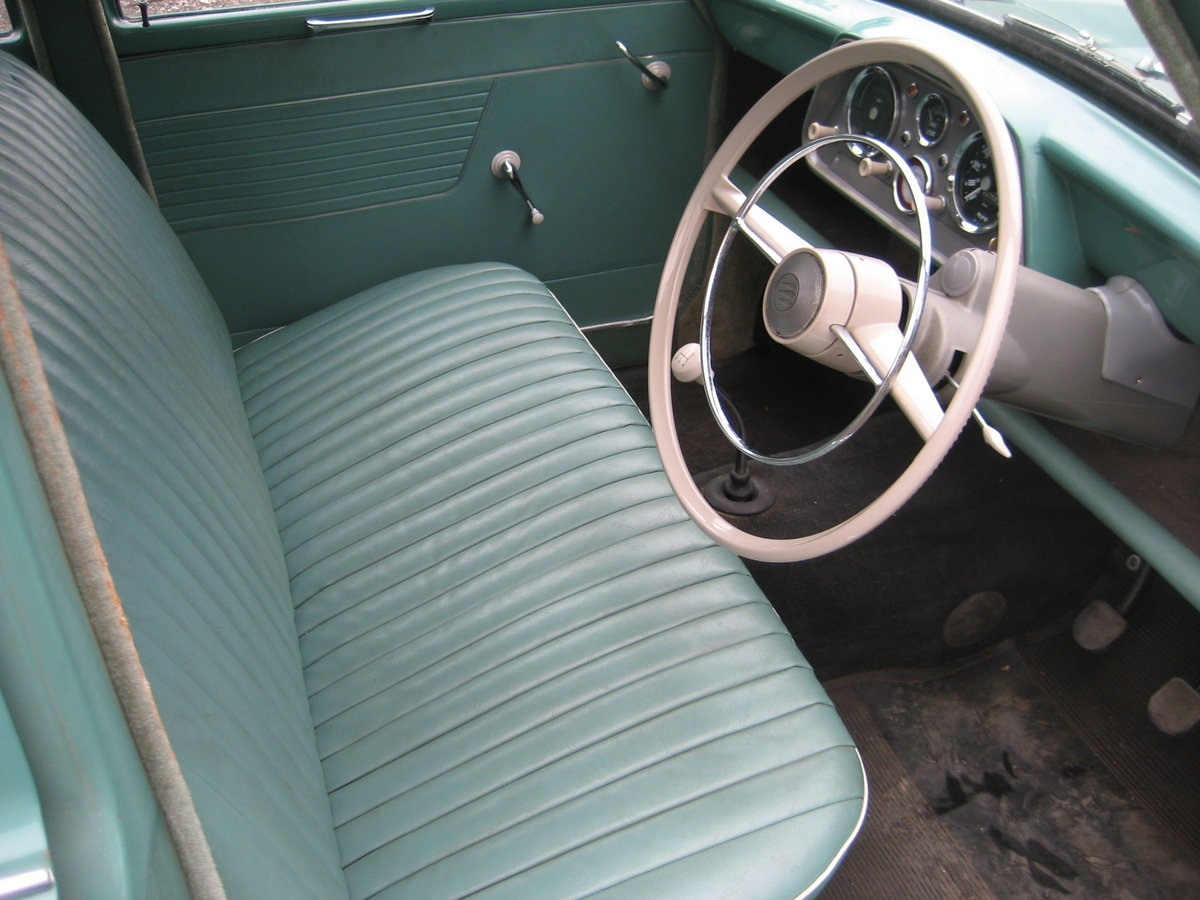 1961 Hillman Minx 1500, 32000 mls only from new For Sale (picture 3 of 6)