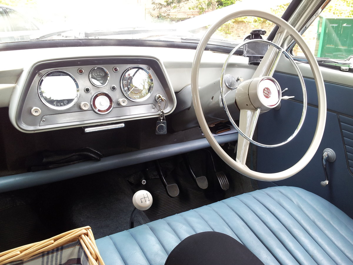 1961 Hillman Minx A lovely little classic SOLD (picture 2 of 6)