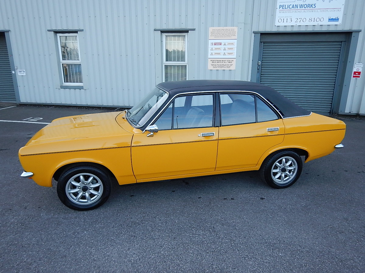 1971 HILLMAN AVENGER 1500 Deluxe SOLD (picture 1 of 6)