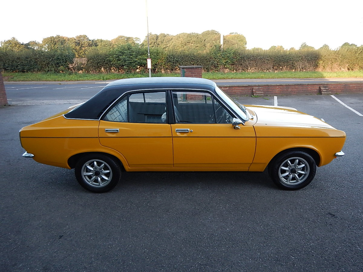 1971 HILLMAN AVENGER 1500 Deluxe SOLD (picture 3 of 6)