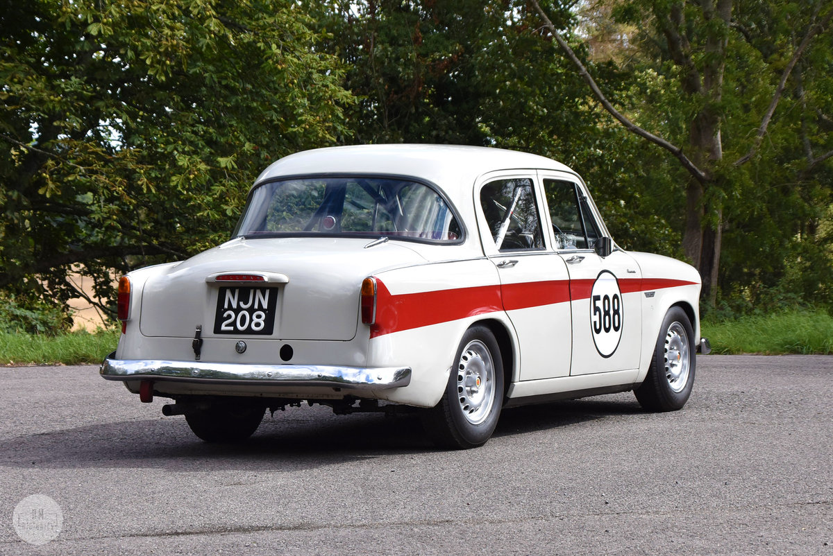 1957 Hillman Minx Touring Saloon For Sale (picture 2 of 6)