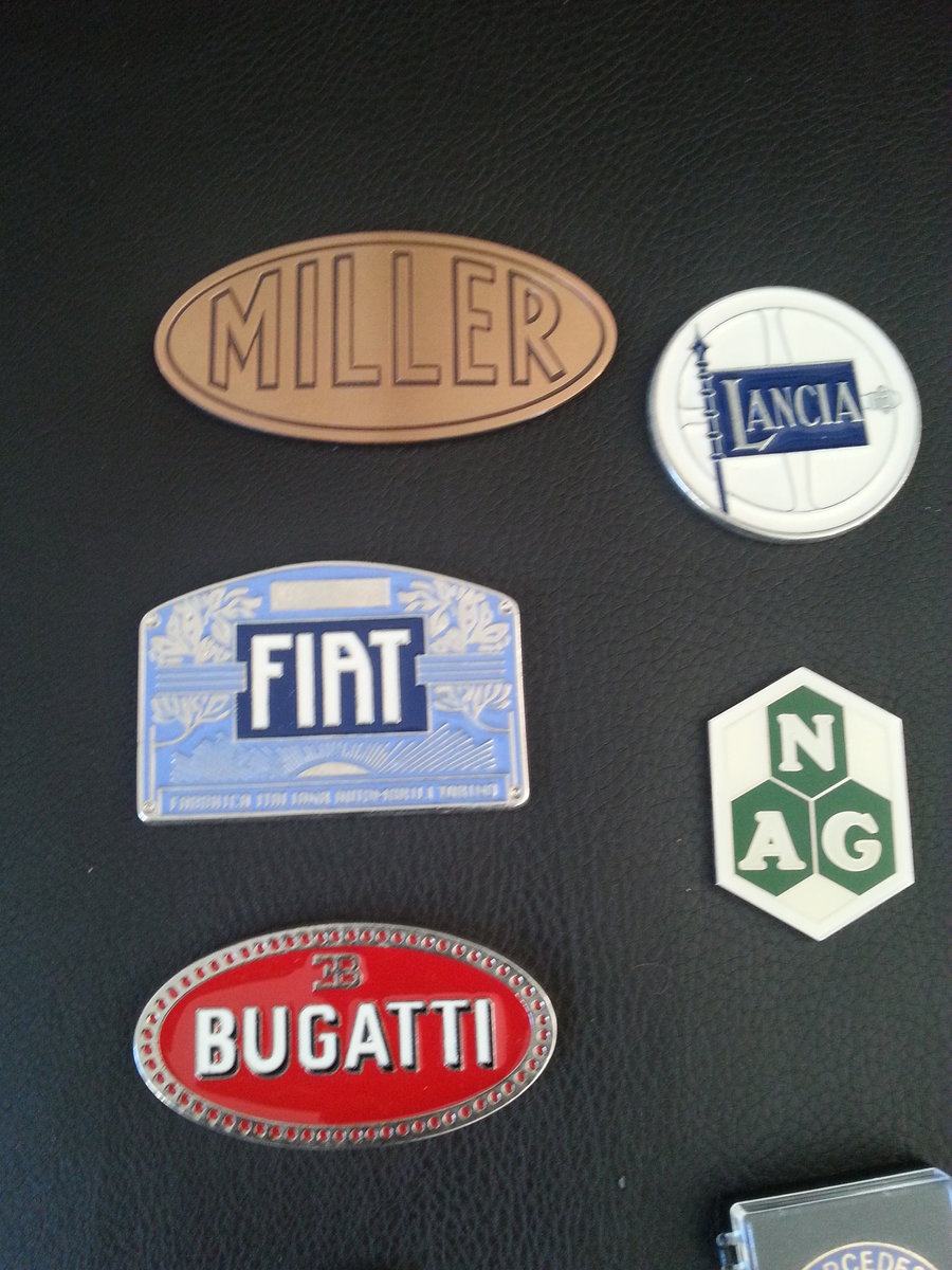 Collection 43 Radiator Badges For Sale (picture 2 of 6)