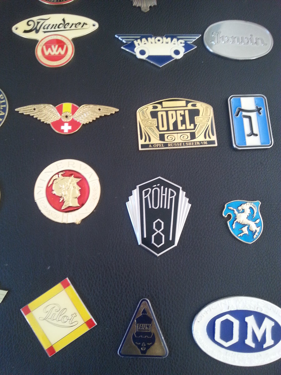 Collection 43 Radiator Badges For Sale (picture 5 of 6)