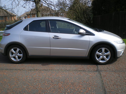 2009  Honda-Civic-1-8-I-VTEC-SE-59-plate,1 owner, Outstanding Car SOLD (picture 2 of 6)