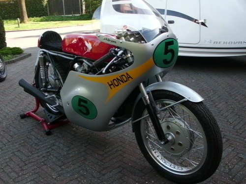 1964 Honda rc162rr 250cc 4 cyl.replica r.bryans SOLD (picture 2 of 6)