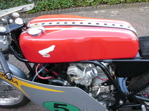 1964 Honda rc162rr 250cc 4 cyl.replica r.bryans SOLD (picture 4 of 6)