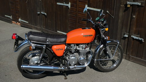 1976 HONDA 550/4 F1 SUPERSPORT WITH JUST 6200 MILES FROM NEW SOLD (picture 1 of 6)
