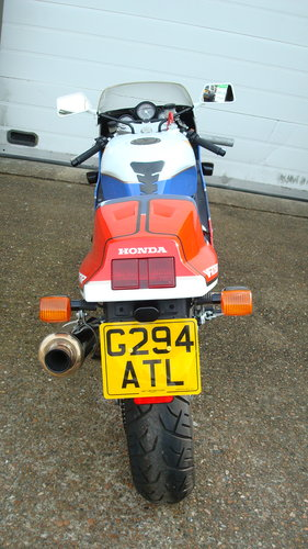 Honda VFR 750R RC30 1990-G ***4542 MILES*** For Sale (picture 4 of 6)