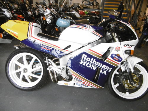 1994 Honda RVF400 Stunning and Standard Rare  For Sale (picture 1 of 6)