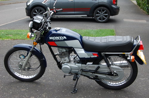 Honda CG125  1991  VGC low Miles  Tax  & MOT SOLD (picture 2 of 6)
