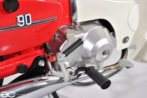 1979 Absolutely Stunning Honda C90 in Show Condition - 4K Miles SOLD (picture 5 of 6)