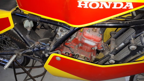 Honda RS125 RF Production racer 1985/86 Project 2500 GBP For Sale (picture 2 of 6)