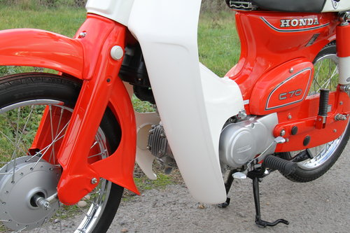 Honda C70 C - 1982 - 8000 - UK Bike Restored For Sale (picture 5 of 6)