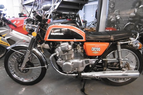 1975 Honda CB200 Sunning timewarp original Condition UK Bike SOLD (picture 1 of 6)