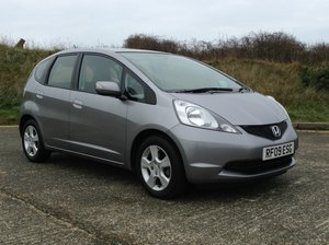 2009 ONLY 3.000 MILES FROM NEW