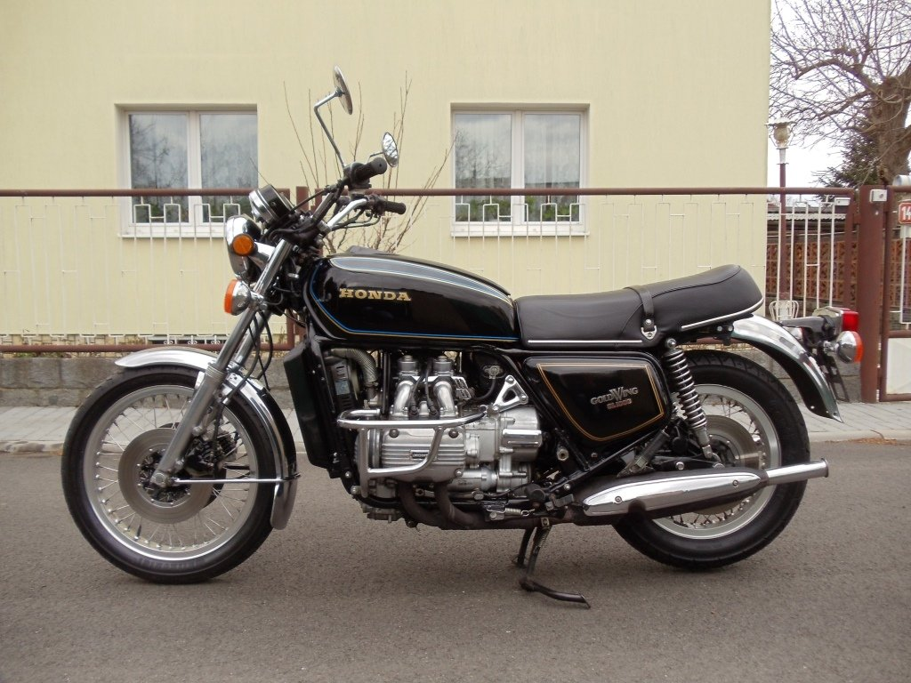 1977 Honda GL1000 Goldwing For Sale (picture 1 of 6)